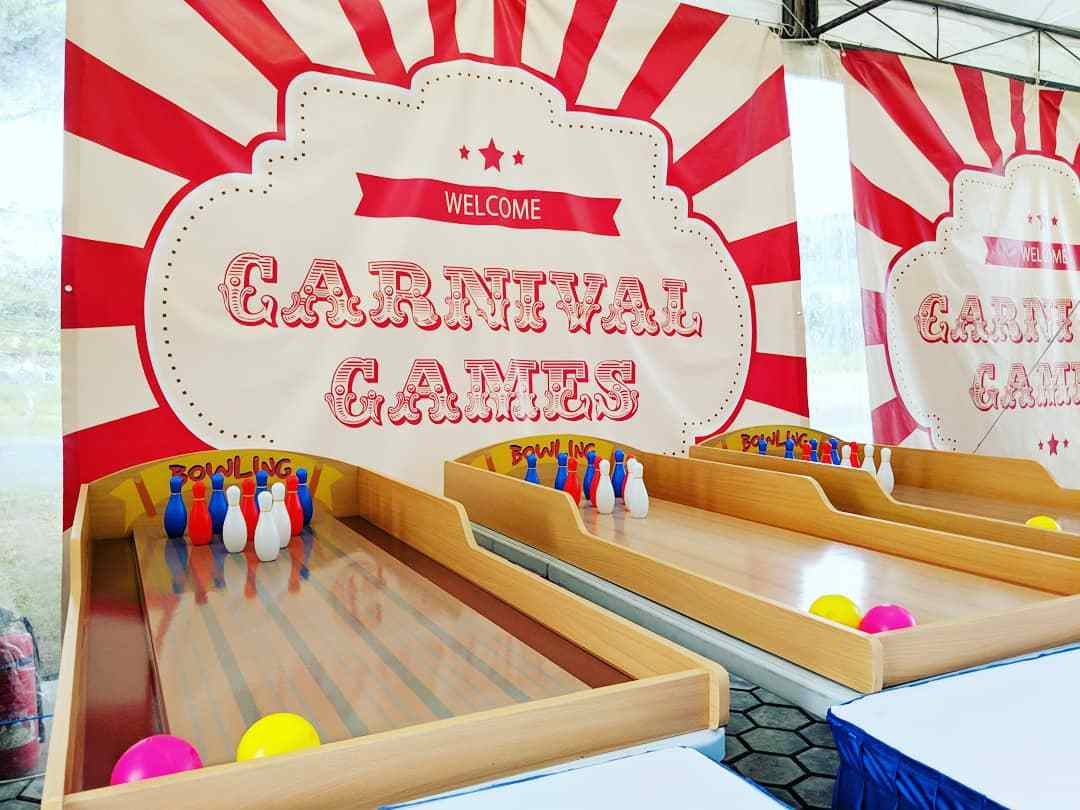 A fun bowling game made easy for anyone to play this game do your best to get a strike and even a spare!