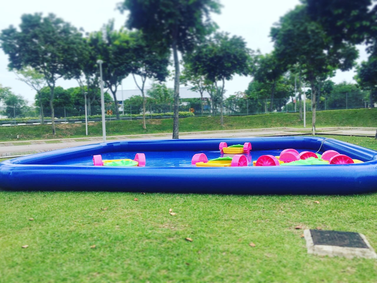 Move across the pool with our paddle boats! It is a fun way of getting around in the pool