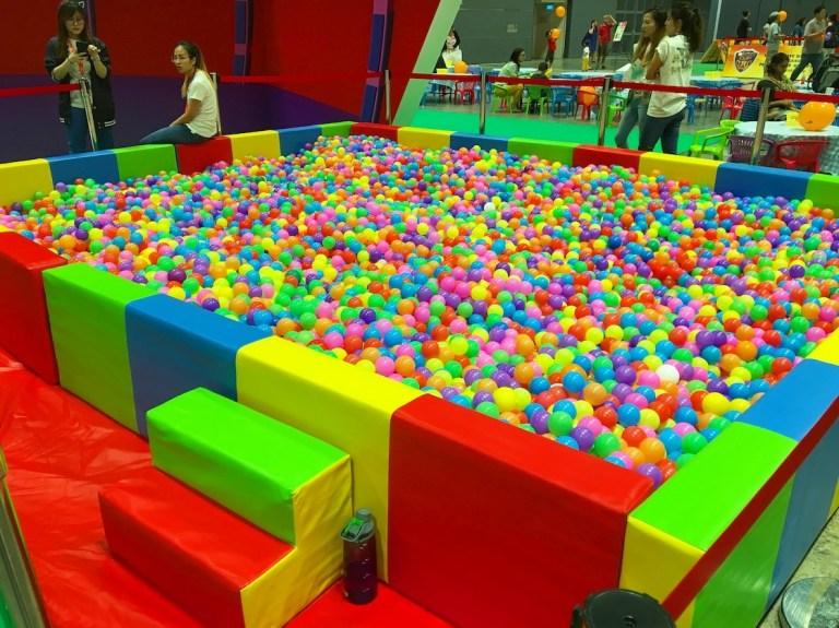 Giant-Ball-Pit-Rental (1).jpg