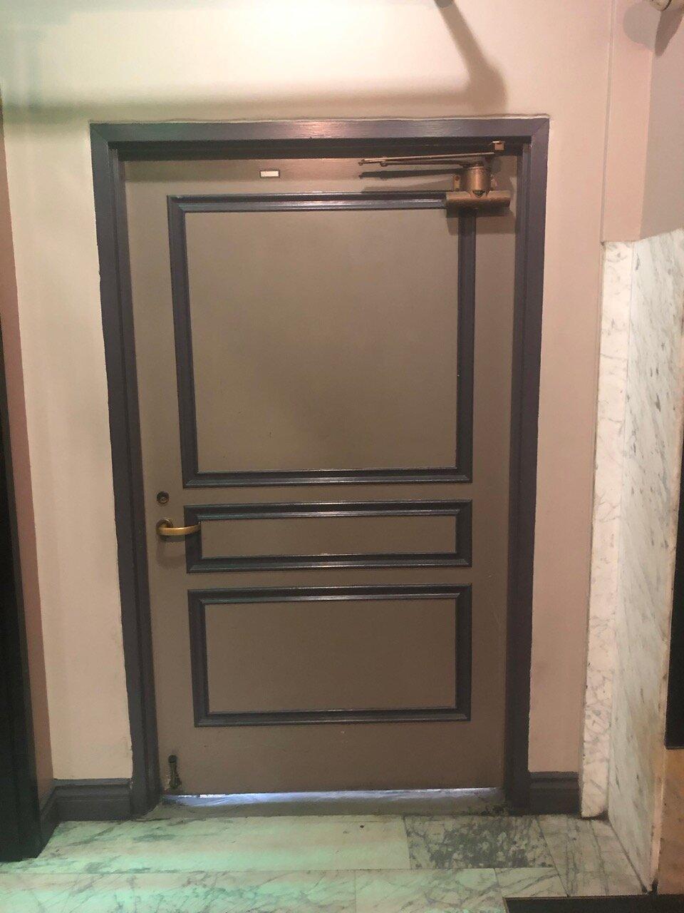 13th Floor Single Doors