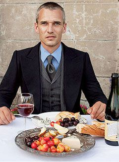 """The Secret Art of Manliness - """"Good manners will open doors that the best education cannot."""" -Clarence ThomasYou will be amazed how attractive women find proper eating etiquette.This may be the thing you need to take dating to the next level, giving you basic principles to dine with respect and class. Or another way to impress the woman you're already with."""