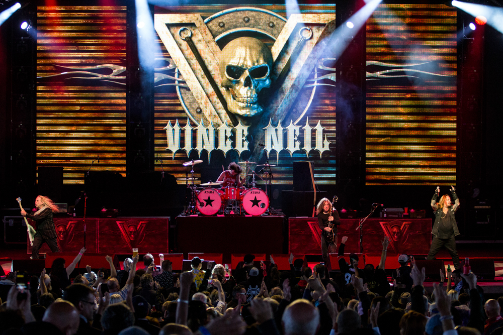 Vince Neil - May 20, 2019 (428).jpg