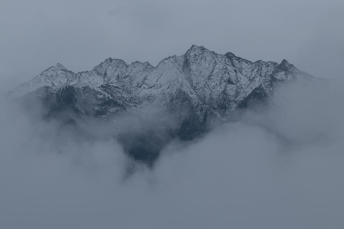 wanderlust_cabinet_landscape_mountain_4c.png