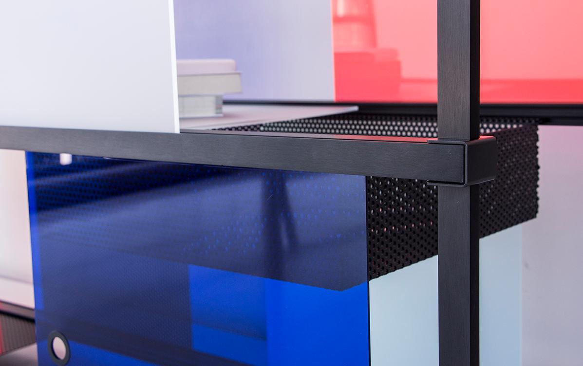 wanderlust_cabinet_explorer_black_modular_design_leandra-eibl_dutch_design_week_design_academy_graduation_show_campina_2018_2.png