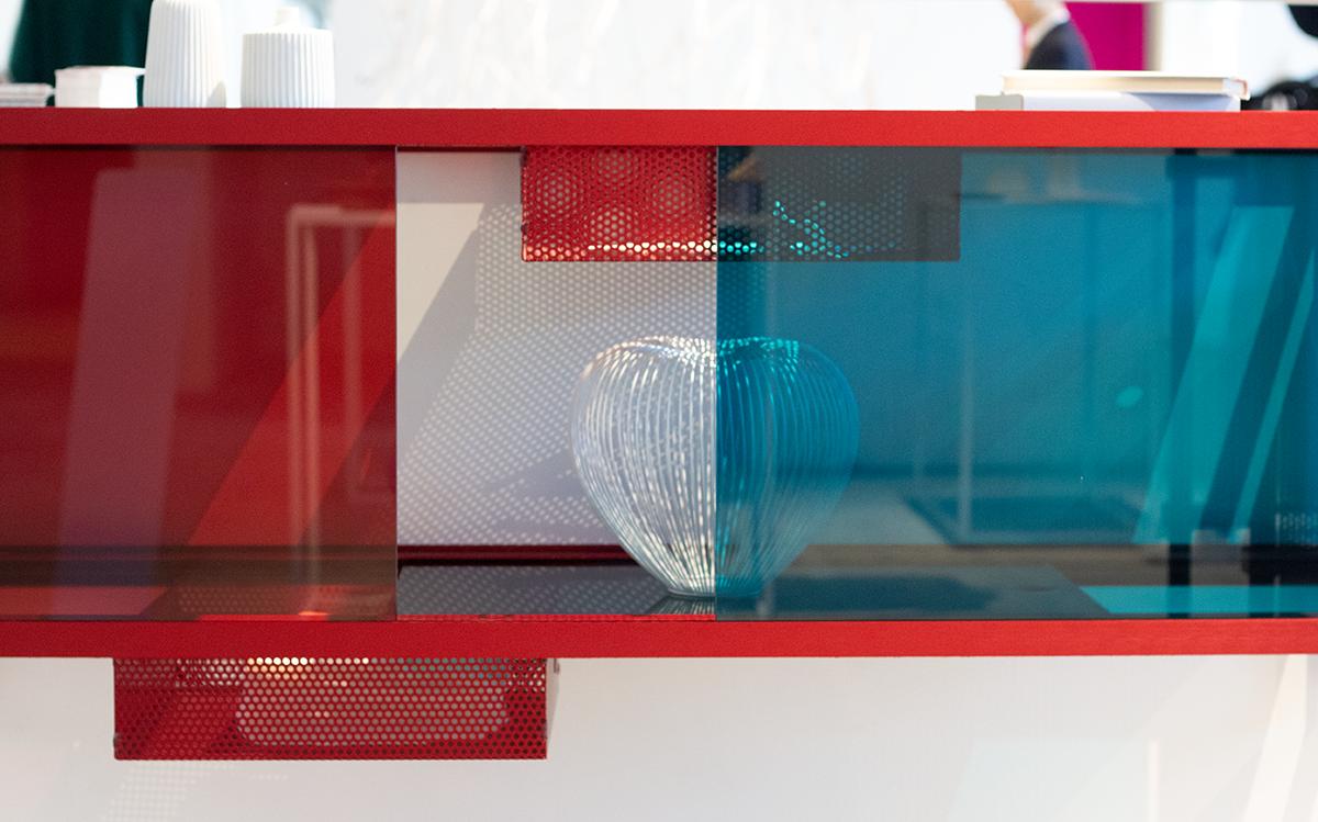 wanderlust_cabinet_discoverer_red_modular_designer_leandra-eibl_ventura_future_salone_del_mobile_expo_2019_3.png