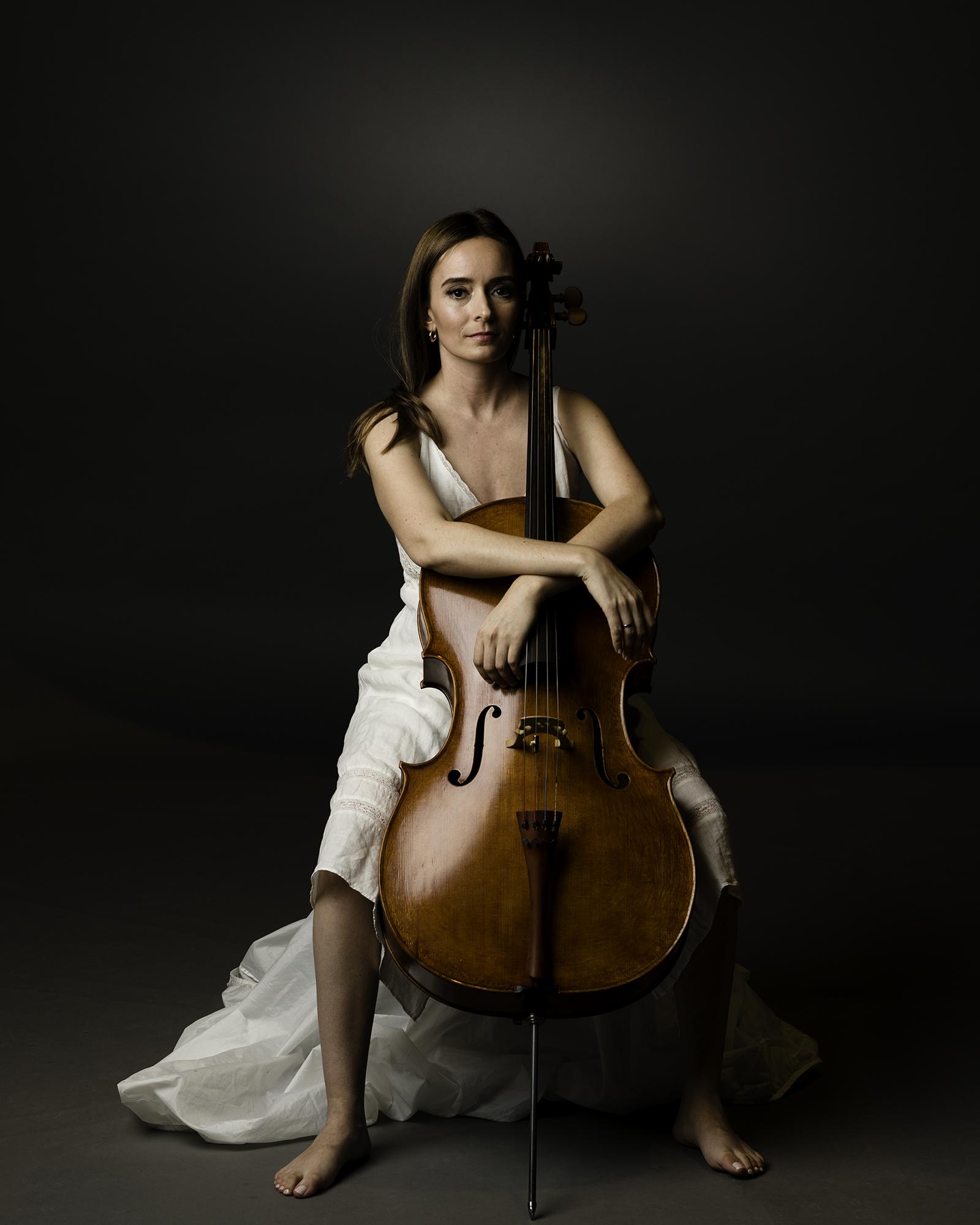 Amber Walton-Amar, cello