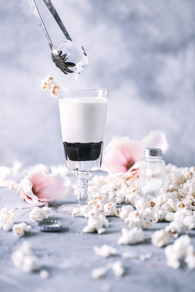 popcorn drink white russian matfotograf mats dreyer fotograf stylist oslo norge