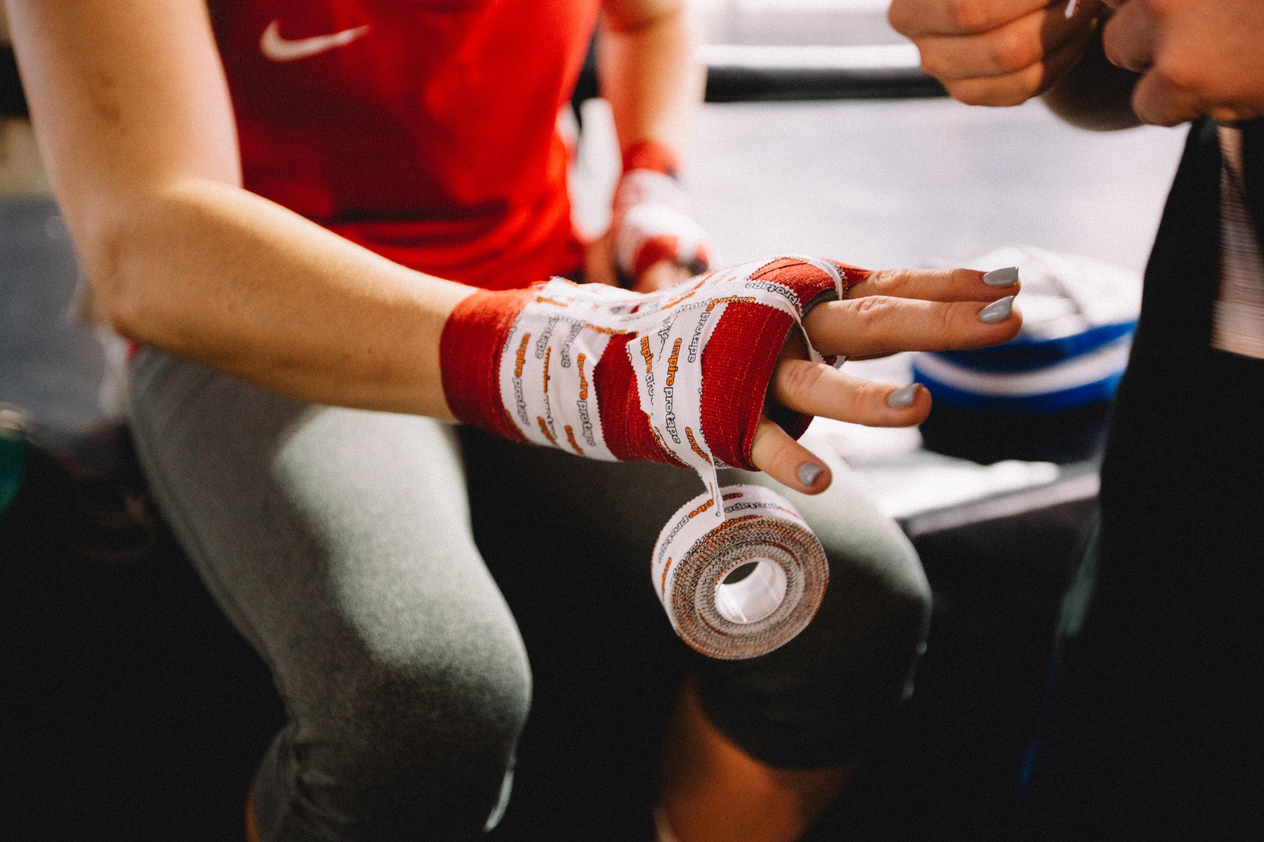 SPORTS FOR MORE e.V.   SPORTS FOR MORE e.V. wurde 2017 als Sportverein gegründet, um alle sportlichen Belange con Kick im Boxring abzudecken und den aktiven SportlerInnen eine Wettkampfteilnahme zu ermöglichen. SPORTS FOR MORE e.V. ist ein gemeinnützig anerkannter Verein und Mitglied im Berliner Boxverband.  Zudem besteht über SPORTS FOR MORE e.V. die Möglichkeit eine Fördermitgliedschaft einzugehen oder eine einmalige Spende zu tätigen und damit direkt die Arbeit von KICK im Boxring nachhaltig zu stabilisieren und stetig auszubauen.