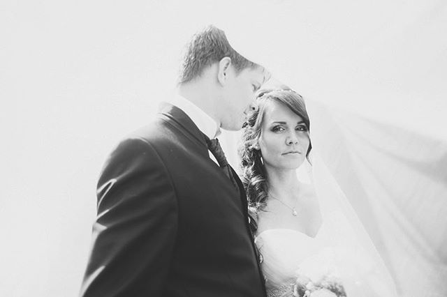 // tina & sebastian. #hutmannhochzeiten . . . #blackandwhite #blackandwhitephotography #photography #bnwphotography #bnwmood #monochrome #bnwlife #bnwcommunity #bnw_society #bnw_planet #bnw_one #blackandwhitephoto #monoart #weddingphotography #weddingday #weddingtime #weddingseason #weddingphotographer #weddinginspo #weddinginspiration #weddingideas #weddinggoals #weddingfun #weddingdress #wedding #love #hochzeitsfotograf #weddings #meine_art