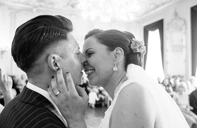 // let the good times roll! #hutmannhochzeiten . . . #love #kiss #blackandwhite #weddingday #wedding #blackandwhitephotography #photography #couple #bridestory #together #bnw #weddingphotographer #weddingideas #monochrome #thebridestory #blackandwhitephoto #weddingphotography #weddinginspiration #weddingtime #weddingseason #weddinginspo #weddinggoals #weddingfun #weddingdress #meine_art #hochzeitsfotograf #weddings #hochzeit #weddingphoto
