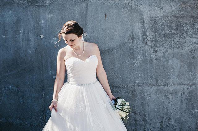 // the bride is always right. #hutmannhochzeiten . . . #weddingphotographer #weddingday #wedding #weddingphotography #photography #weddingseason #weddingdress #hochzeitsfotograf #weddingfun #weddingtime #weddinginspo #weddinggoals #weddinginspiration #weddingideas #love #meine_art #weddings #hochzeit #weddingphoto #bride #instawedding #hochzeitsfotografie #bridalstyle #bridal #bridalfashion #weddingplanning