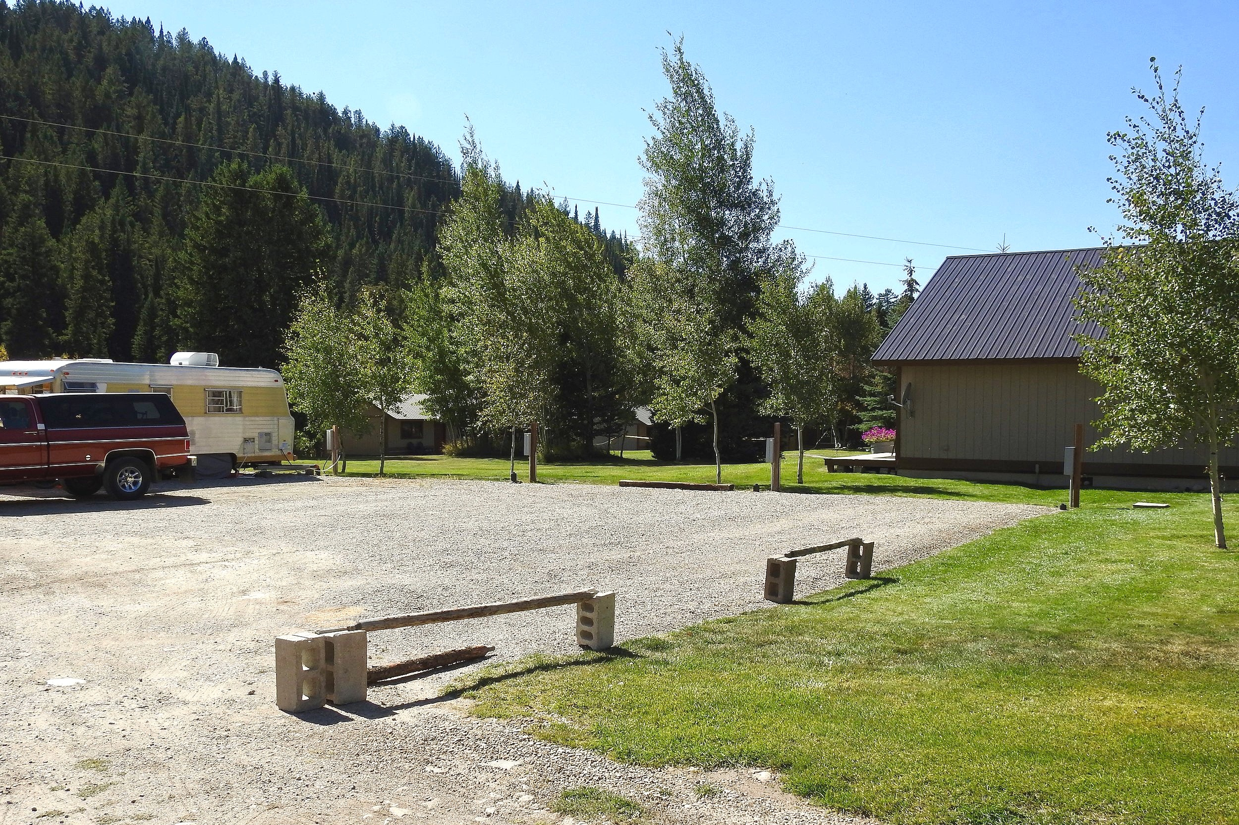 RV hookups are a 1-minute walk to Moose Creek with 3-sided Mountainviews, the 4th side is Soul Ranch. The ground isleveled and graveled. Max RV length is 32'. - rv camping$1,999