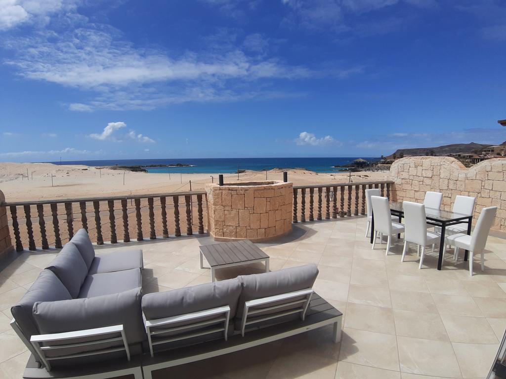 Budget and Luxury accommodations in Sal Rei on Boa Vista in Cape Verde - Morabeza Kitesurfing 10.jpg