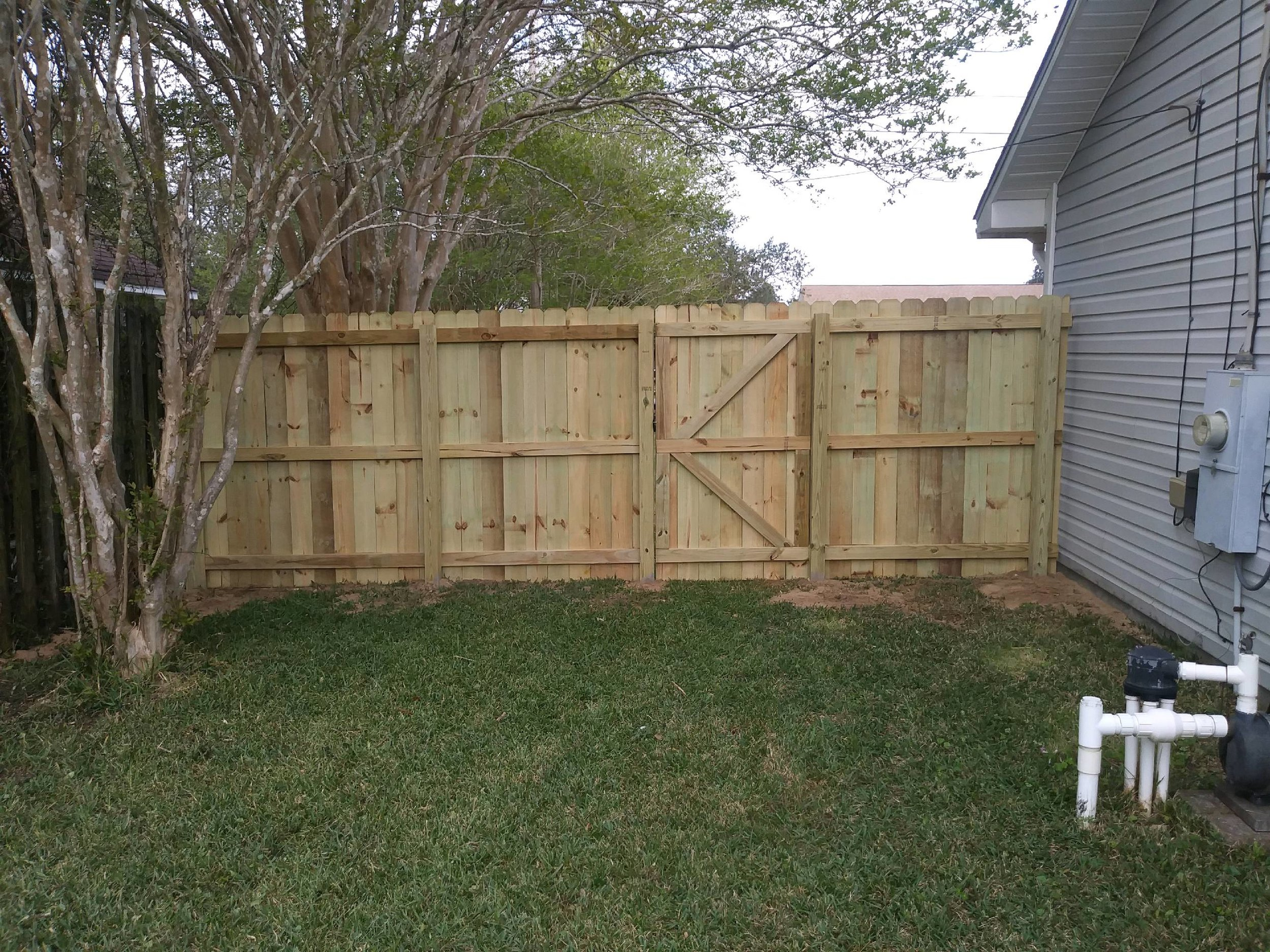 fences bowien navarre.jpg