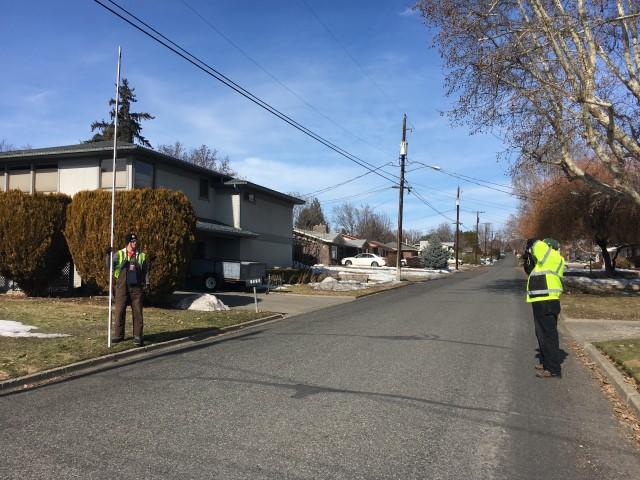 Washington Broadband employees using the katapult method