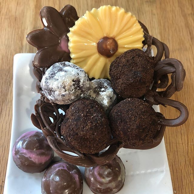 YUM...Chocolate Class next Saturday!  Make a variety of chocolate truffles, and learn techniques for making a lovely bowl and molded treats.  Lots to eat and take home.  Sign up on our website.  #sanjosefoodie #bayareafoodie #bayareafoodies #cookingclasses