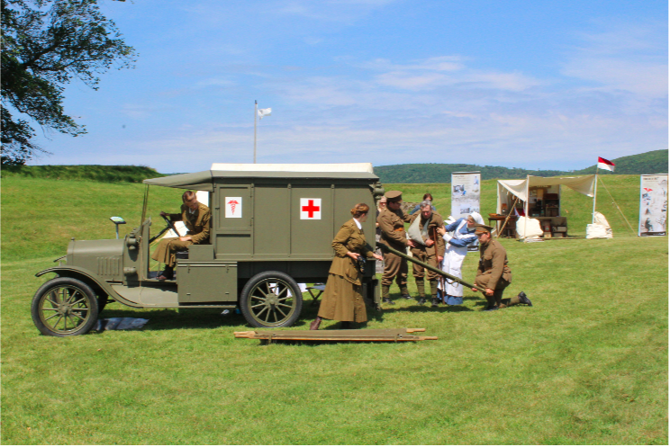 First World War Comes To Life - The First World War Comes To Life project was a large-scale, animated exhibit that travelled across Canada, 2015-2016..Click to find out more about this past exhibit.