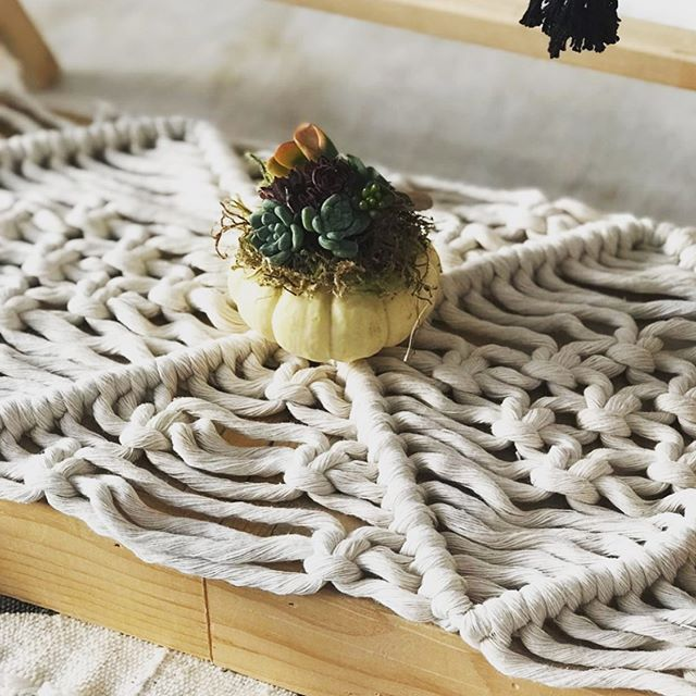 Macrame table runners on November 9, freshly up on the website. Practice and master basic macrame knots with @wildermacrame just in time for that holiday where a pretty, knotty table runner might come in handy (🦃). #macrame #macrametablerunner #knotwork #holdfaststudioschool