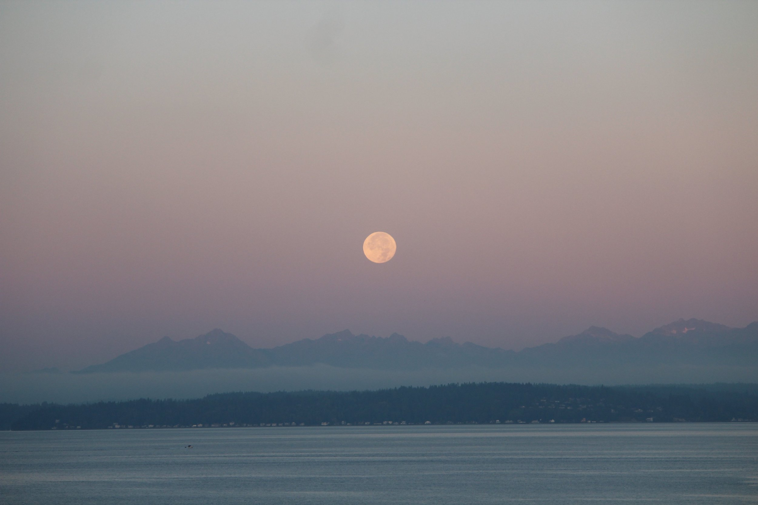 moonrise-over-lake-and-mountains.jpg