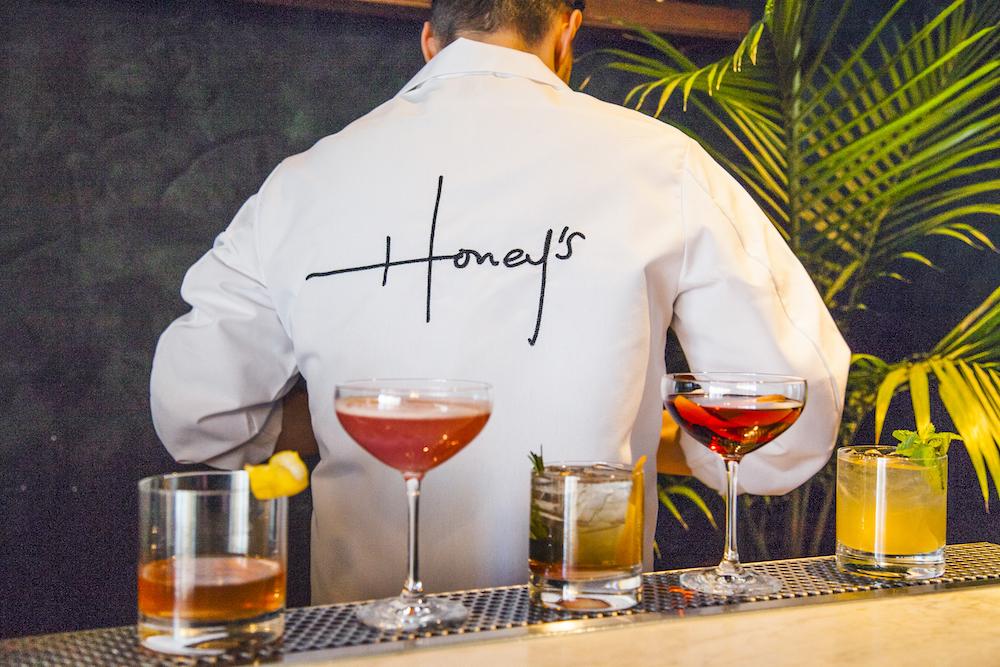 Honeys_03.jpg