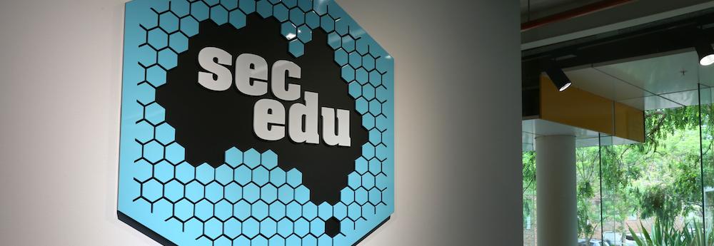 secedu---logo-on-wall.png