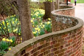 One brick thick. Serpentine Wall at the University of Virginia. Photographer Unknown.