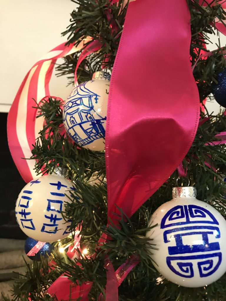 """A Chinoiserie Christmas in Pink and Blue by Betsy Gibson Design for The Massachusetts Horticultural Society's 2018 """"Festival of Trees"""" ©betsygibsondesign"""