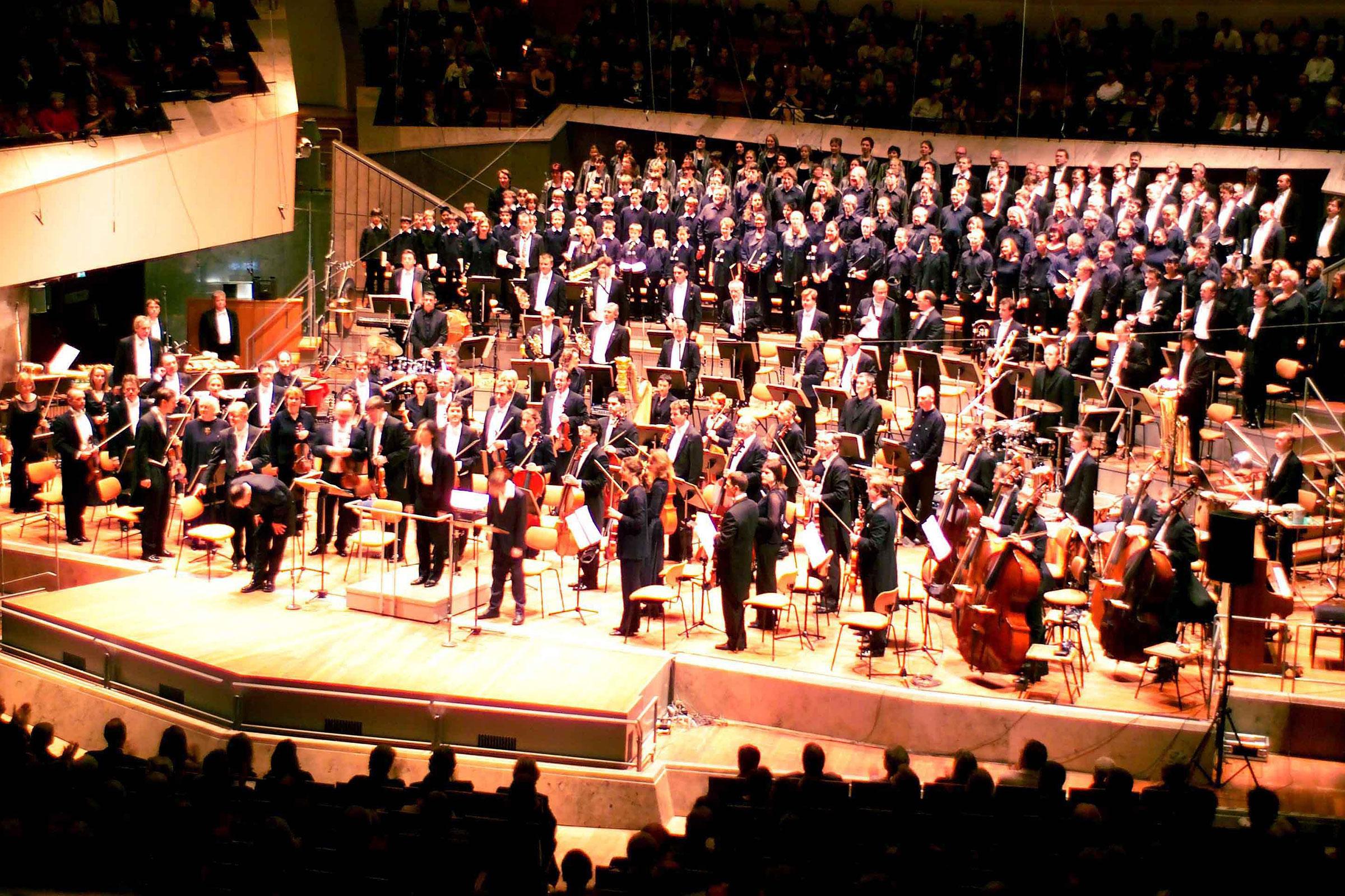 Performing Bernstein's Mass with Kent Nagano, Berlin (November 2003)