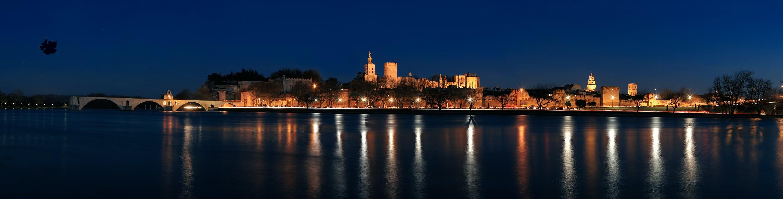 Avignon nuit (c) C.Grilhé.jpg