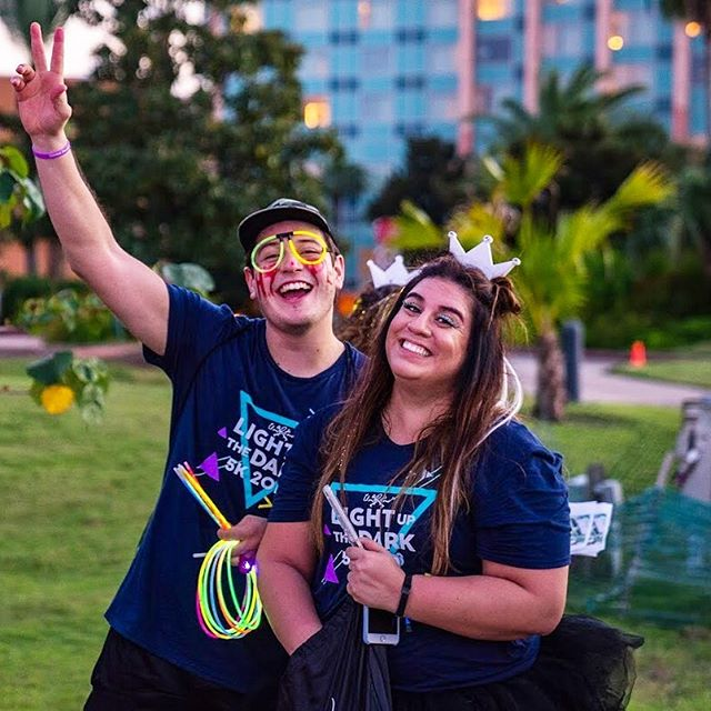 ONE MONTH!! 🎉 Light Up The Dark 2019 is just ONE month away - Saturday, October 19! Can you tell we're excited?! 🏃🏽‍♂️ Register today at the link in our bio for an evening of fun for the whole family that supports the work of Unbound Houston to end human trafficking in our communities!