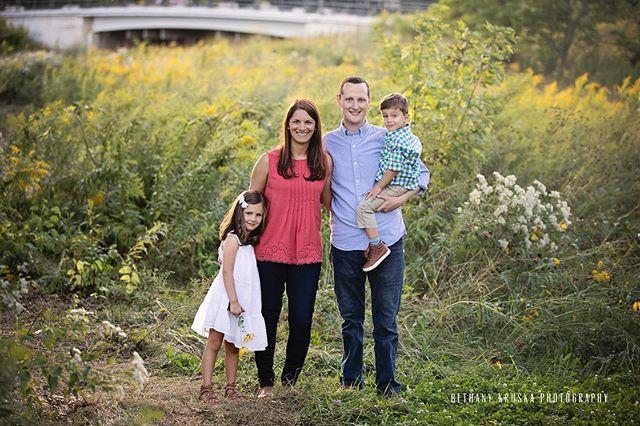 It's fall y'all #bethanykruskaphotography #chicagofamilyphotographer #chicagoparent #chicagophotographer