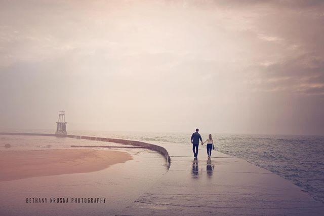A moody sky + these love birds #bethanykruskaphotography #chicagoengagement #chicagoengagementphotographers