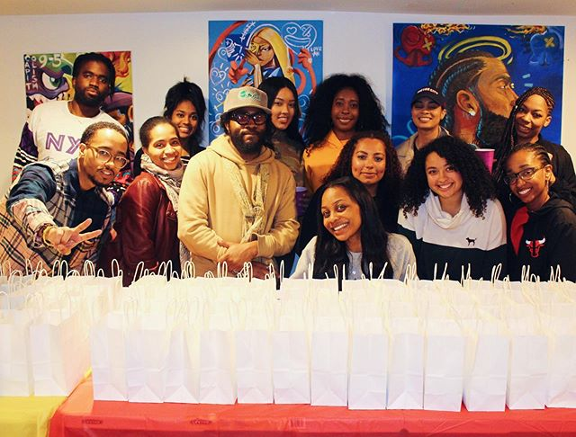 Yesterday was just great! We teamed up with our family @lavanwright for our first #CincoDeMayo #PackandSip! Drinks were flowing, tacos were going and we did it all for a great cause. We packed 💯 care packages and can't wait to deliver them in the next few weeks! Shout out to everyone who came out despite the pouring rain, donated online and support us! We can never do this without you. So much more to come! 📷 by @sirm00re #MoreToCome #GivingBackIsLit #CareMore