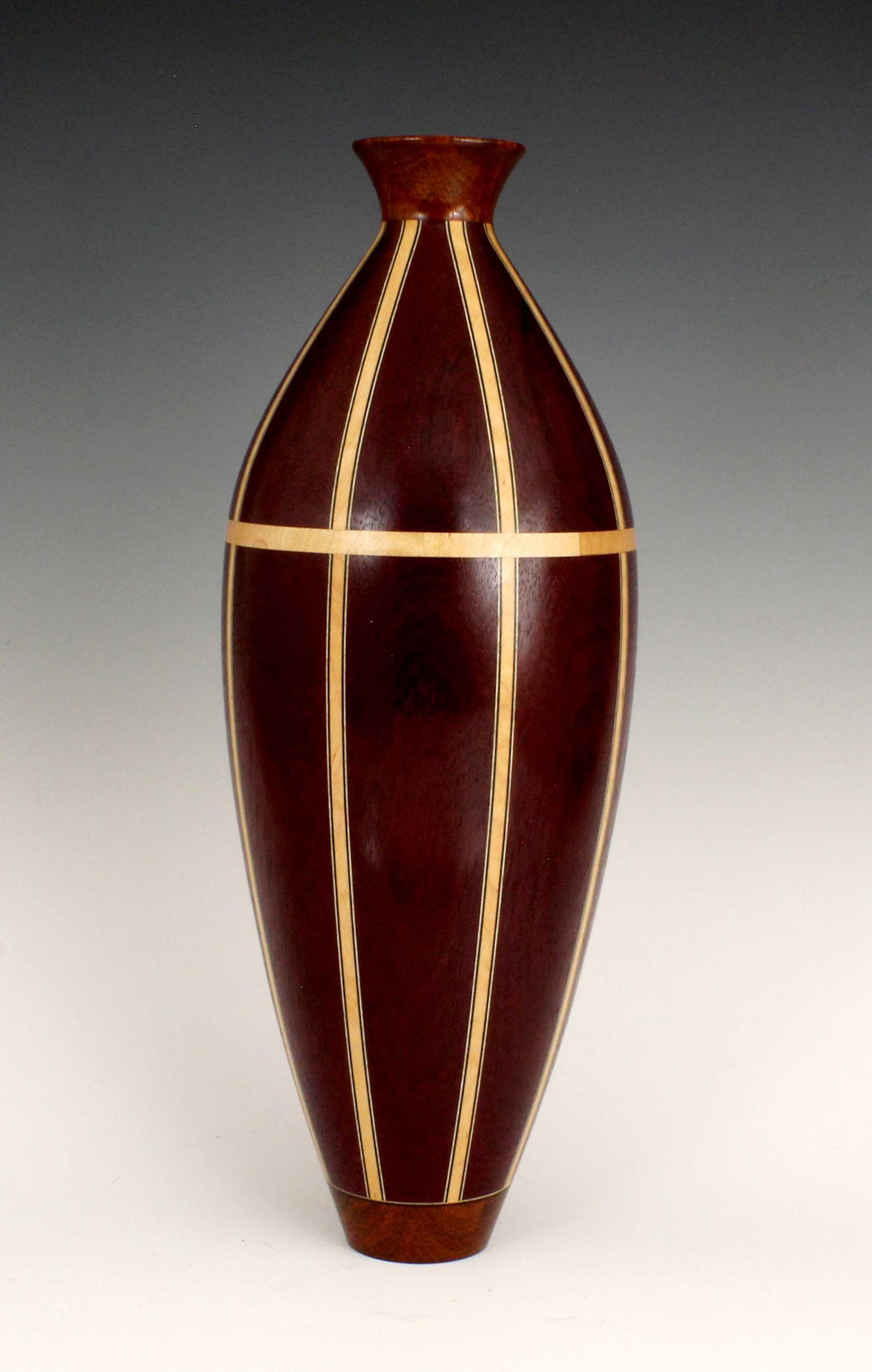 Vase III -