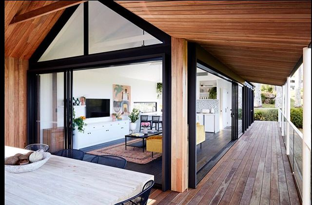 Coopers shoot studio. Timber lines and black fixtures throughout gave this build such a warm feel. . . . #byronbay #byronbaybuilder #architecture #design #interiordesigner #styling #timber #black #decking #living  #carpentry #verandah #forrent #airbnb