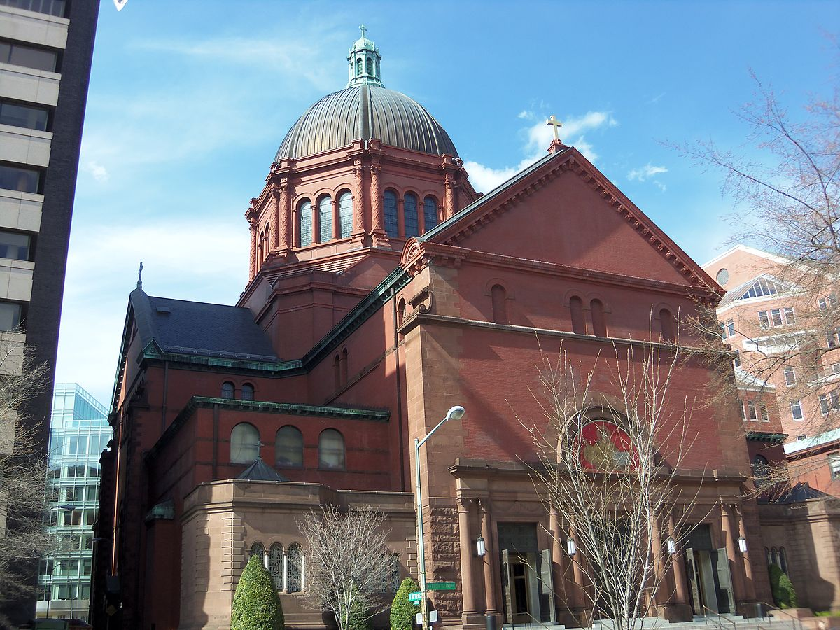 1200px-2013_Cathedral_of_St._Matthew_the_Apostle.JPG