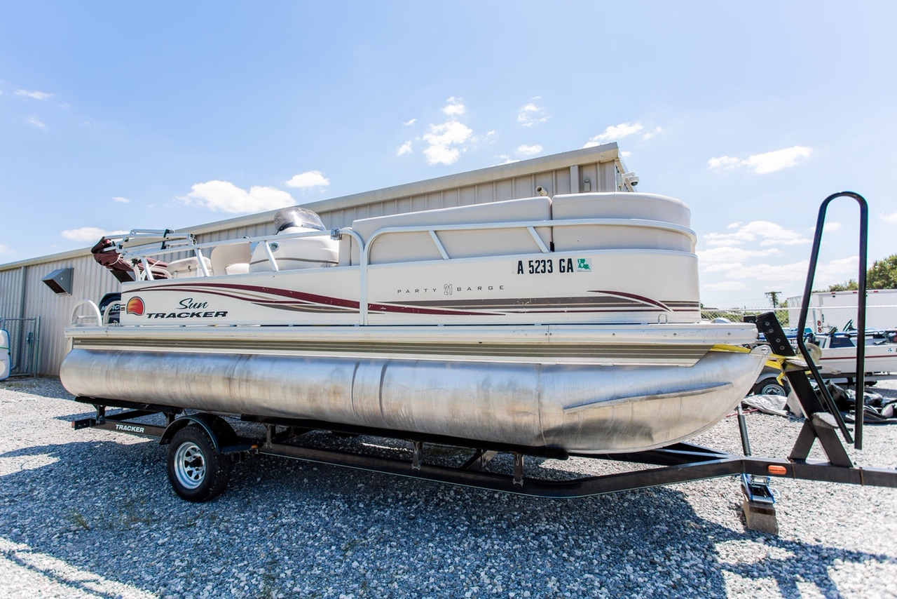 """THE PARTY BARGE"" - This 21 ft. boat fits a maximum of 10. Cruise the river and enjoy your own personal private island!"