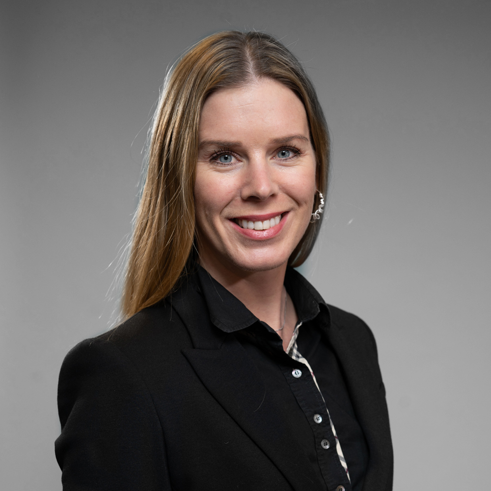 Marie Øymyr Moe    CFO   Marie er utdannet Siv.øk/MSc., og Autorisert  Finansanalytiker fra NHH. Hun har tidligere jobbet i Norvestor Equity som Investment Manager med ansvar for nye investeringer og utvikling av eksisterende porteføljeselskaper. Marie har også hatt flere styreverv.