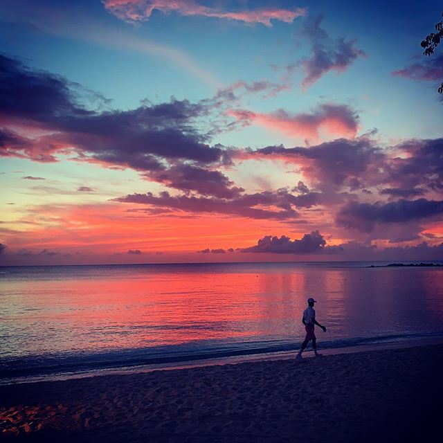Good night Barbados, that's one heck of a sunset #barbados #sunset #sunsets #carribean #traveblogger