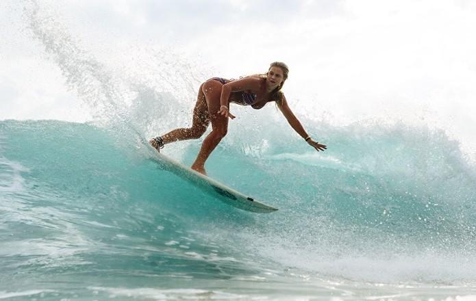 Interview - Laura Crane Surfer.jpg