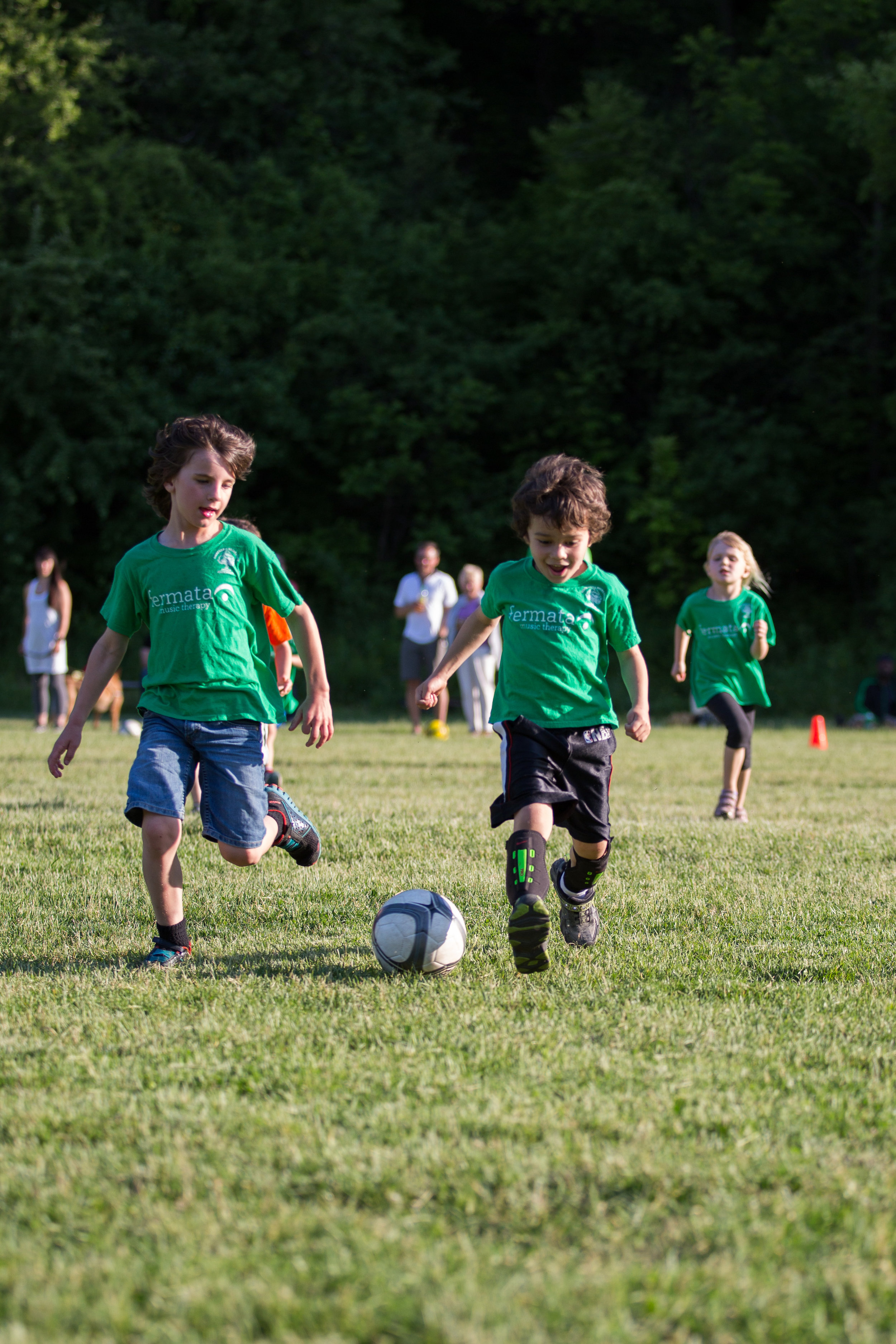 Tuesday April 28th to Thursday June 18th. - Kirkendall Recreation is a non-competitive, co-educational league run by volunteers, for children in Junior Kindergarten to Grade 5. For many children, this league is their introduction to team sports. For families, it's an opportunity to come together in the spring and celebrate the coming of summer. Games are played at Highland Gardens (Reservoir) at the top of Mountain Avenue. Our season is short and finishes the last week of school in June.Learn more ➝