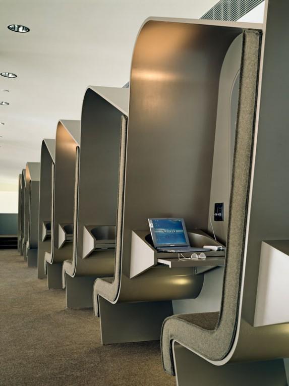TM_Virgin-Atlantic-Airways-Lounge_04_Photo-by-Richard-Bryant-573x765.jpg
