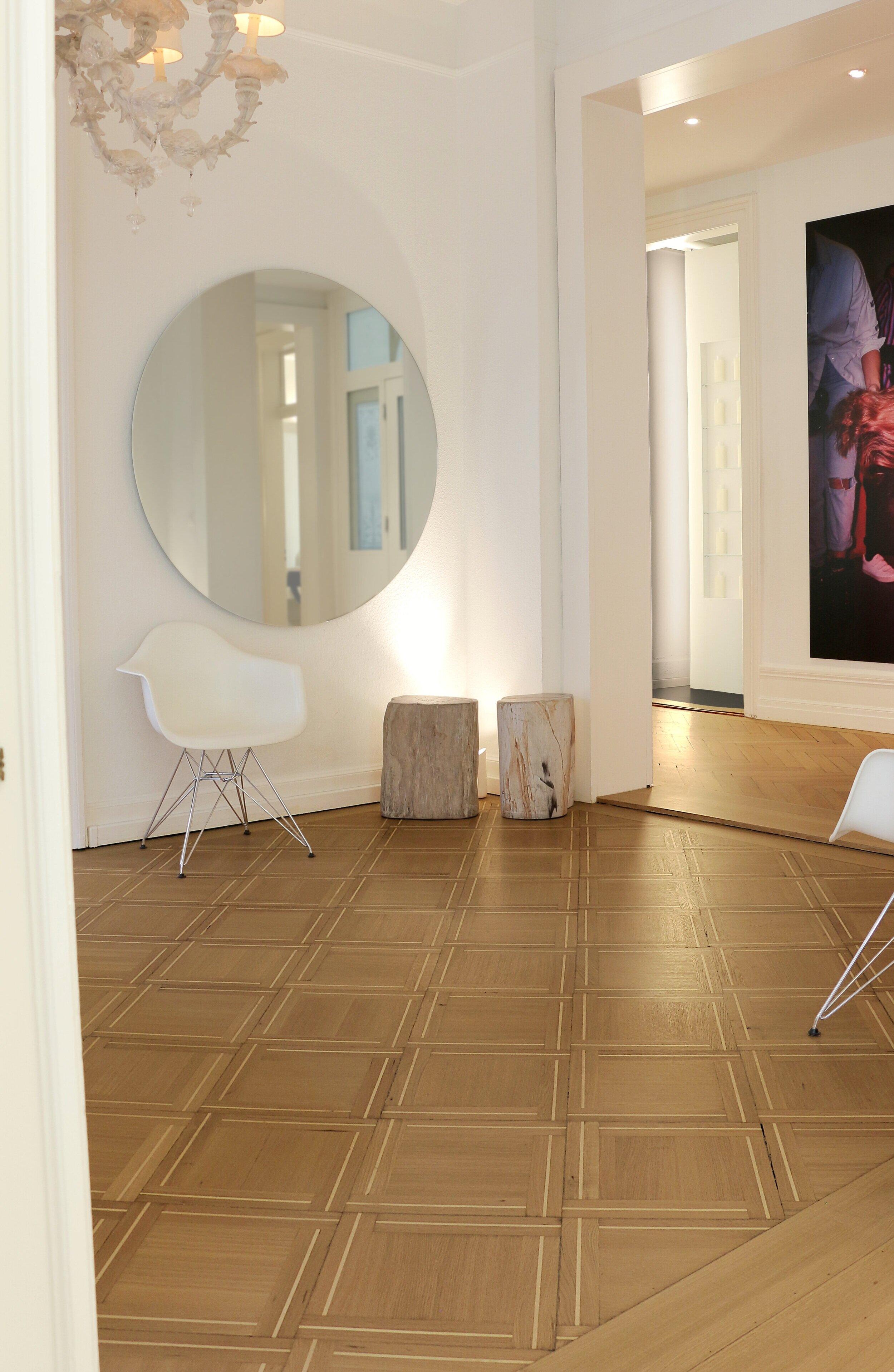 Ryser Boeden Charles Aellen Salon Toedistrasse 2 Kasetten Parkett Wartezimmer 2019.jpeg