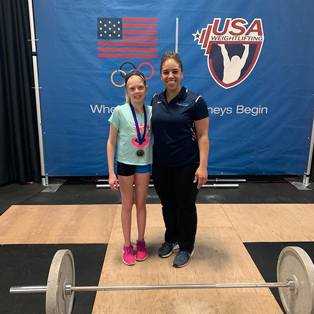 Last weekend Malena and myself spent @chfpweightlifting at South Arlington, Virginia. It was our first youth competition (we compete at 36kg category).🏋🏼🎯🤸🏻♀️ I want to share with you main key points of my experience: 🔹Registration was free 🔹Cara, Kendrick and Lens were extremely helpful and we felt welcomed at this event 🔹Assistants were on top of the game and were signaling for time remaining to came to the platform 🔹Very supportive audience, we were the first one to lift and i felt the energy of it 🔹Very well organized event at the heart of South Arlington at the well maintained facility 🔹It was FUN Thank you Cara, thank you Kendrick @chfpweightlifting @crossfitsoutharlington @kendrickjfarris @caraheadsslaughter
