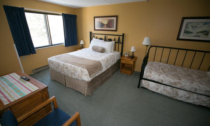 Black-Bear-Lodge-Room