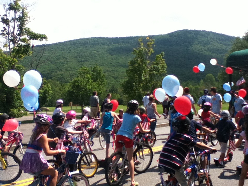 Waterville Valley brings its annual fireworks show to Corcoran Pond once again. There are many fun activities for families over the 4th of July weekend and all are welcome!