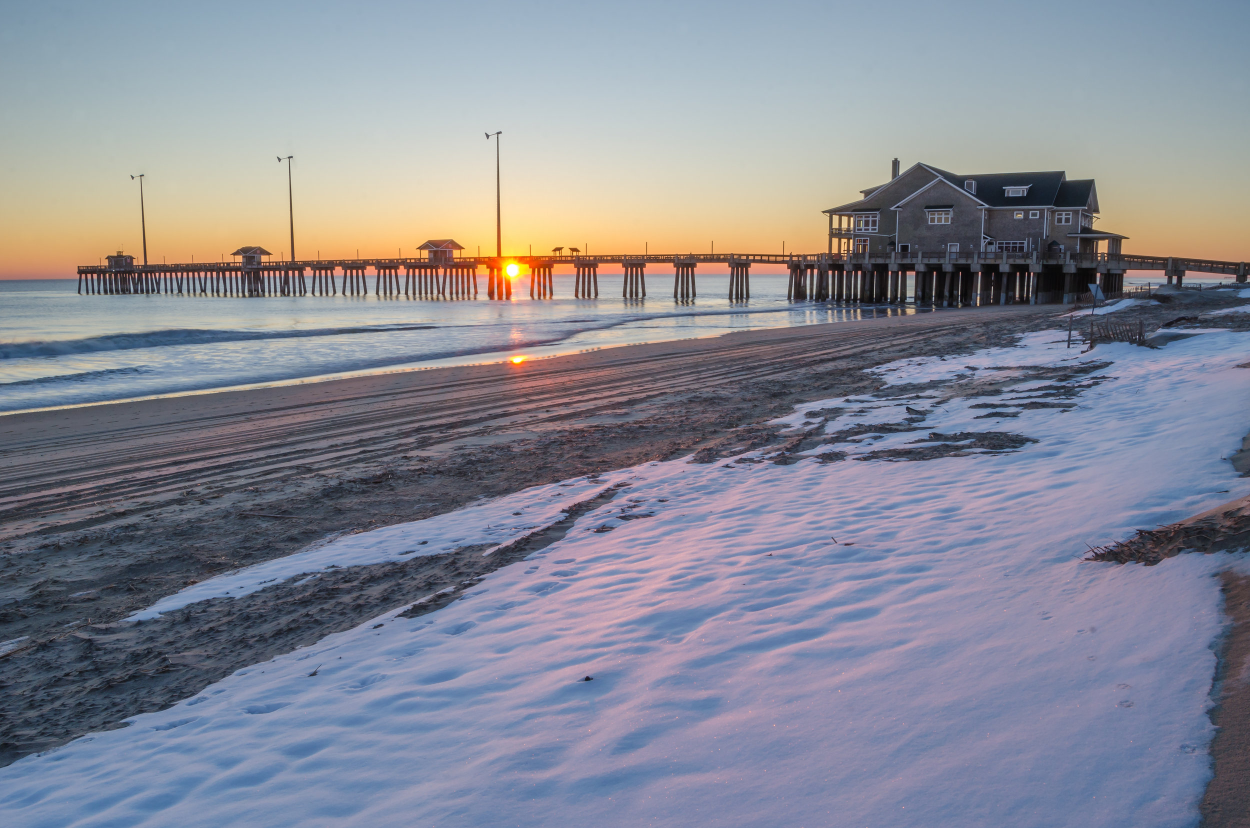 Jennettes Pier-Nags Head-Outer Banks-OBX-North Carolina-snow-sunrise.jpg