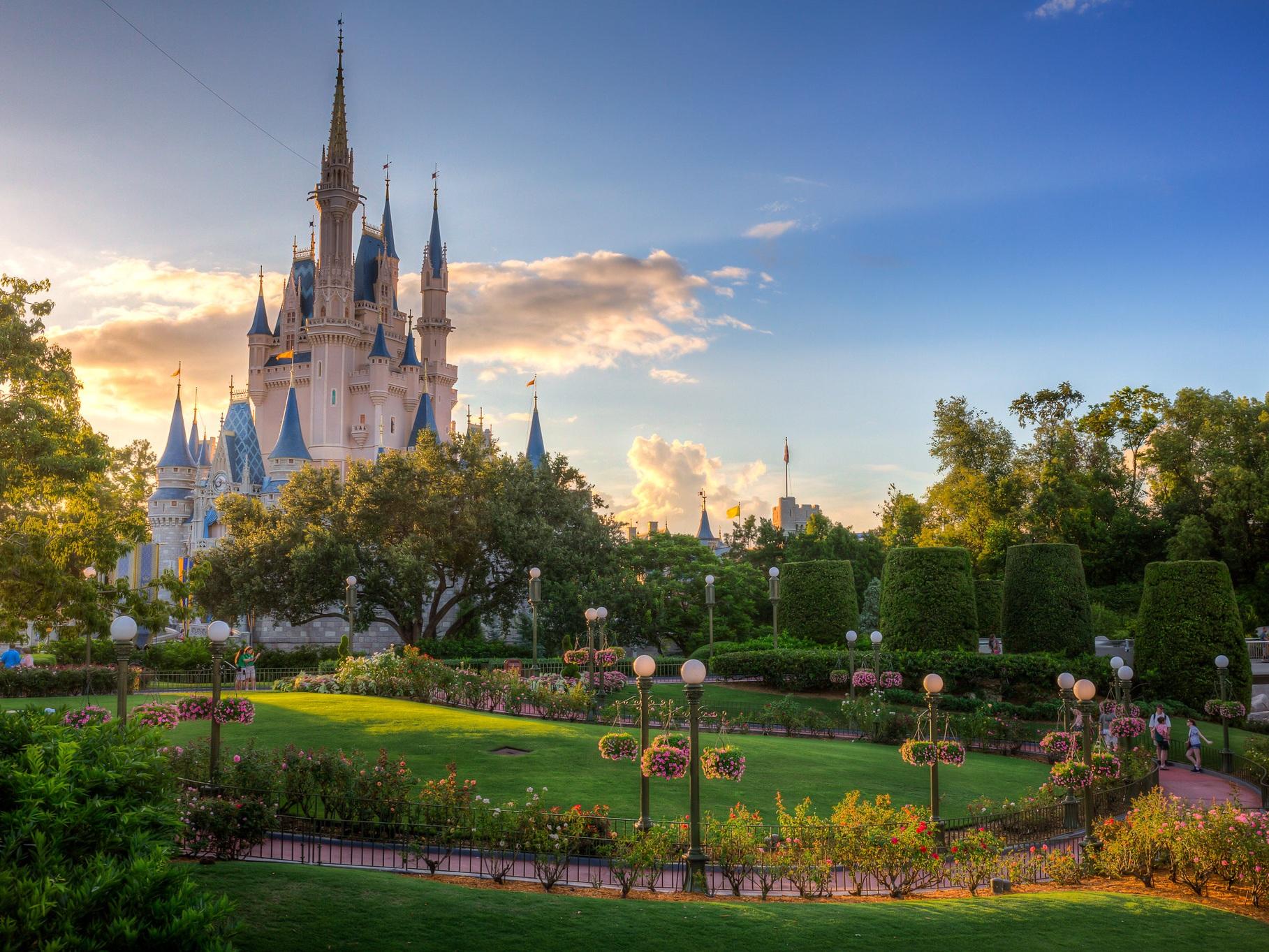 12 Tips For Doing Disney World While Pregnant - POPSUGAR