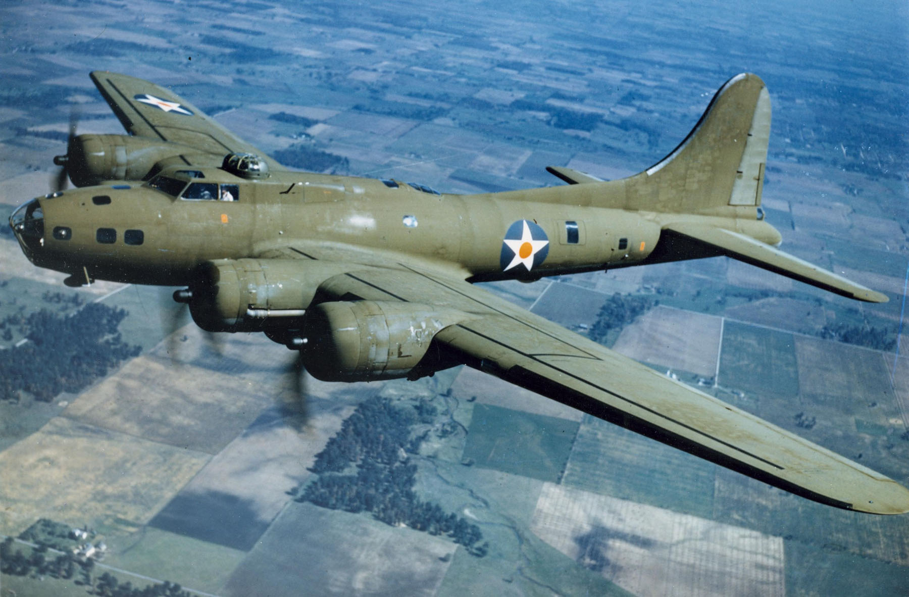 B17-Flying-Fortress.577f54cc86a04e4bac97fdb378673b8b.jpg
