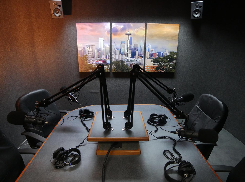 podcastroom5lit1440.png